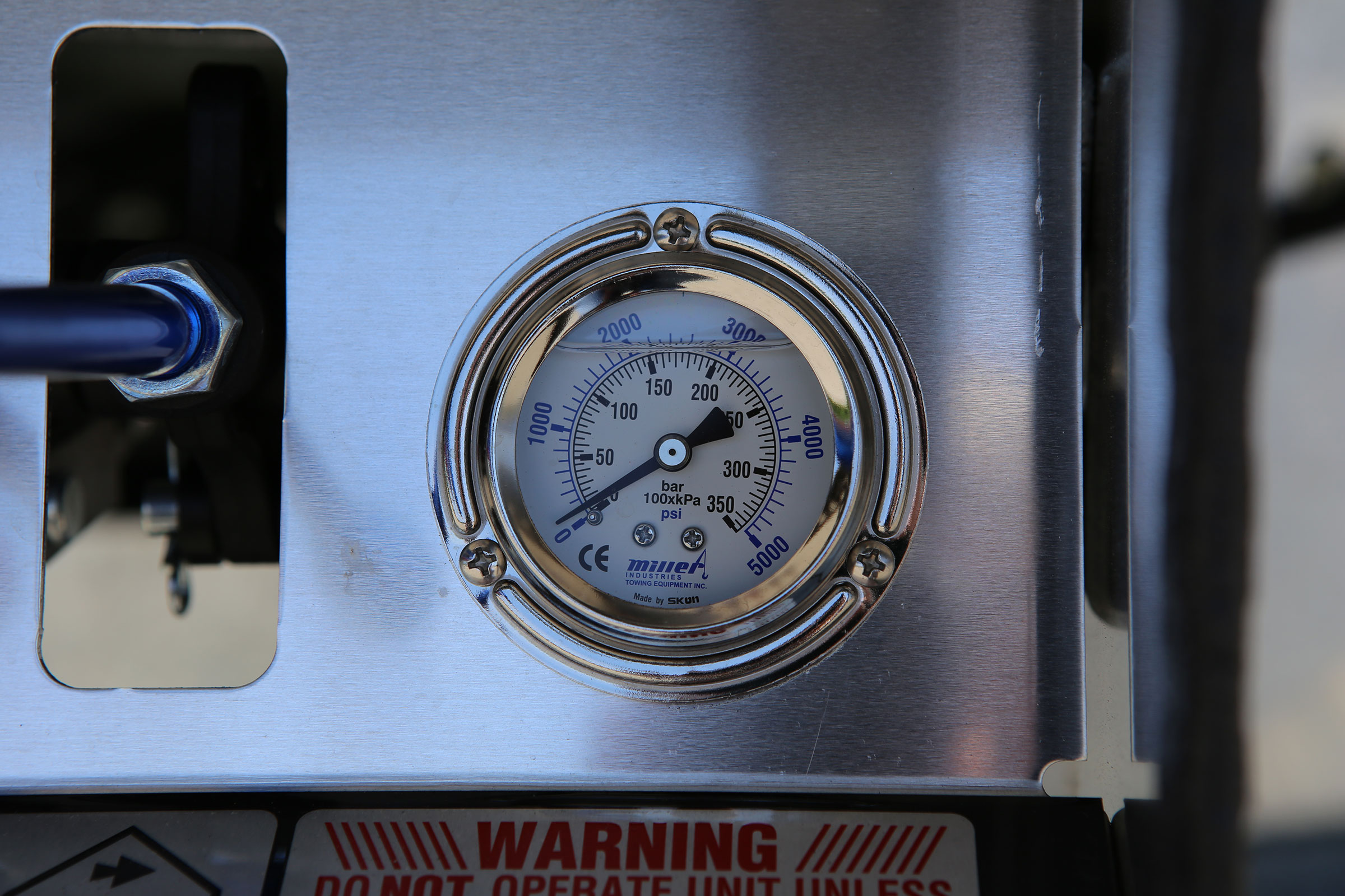 Car Carriers LCG Century Century 12-Series LCG pressure gauge