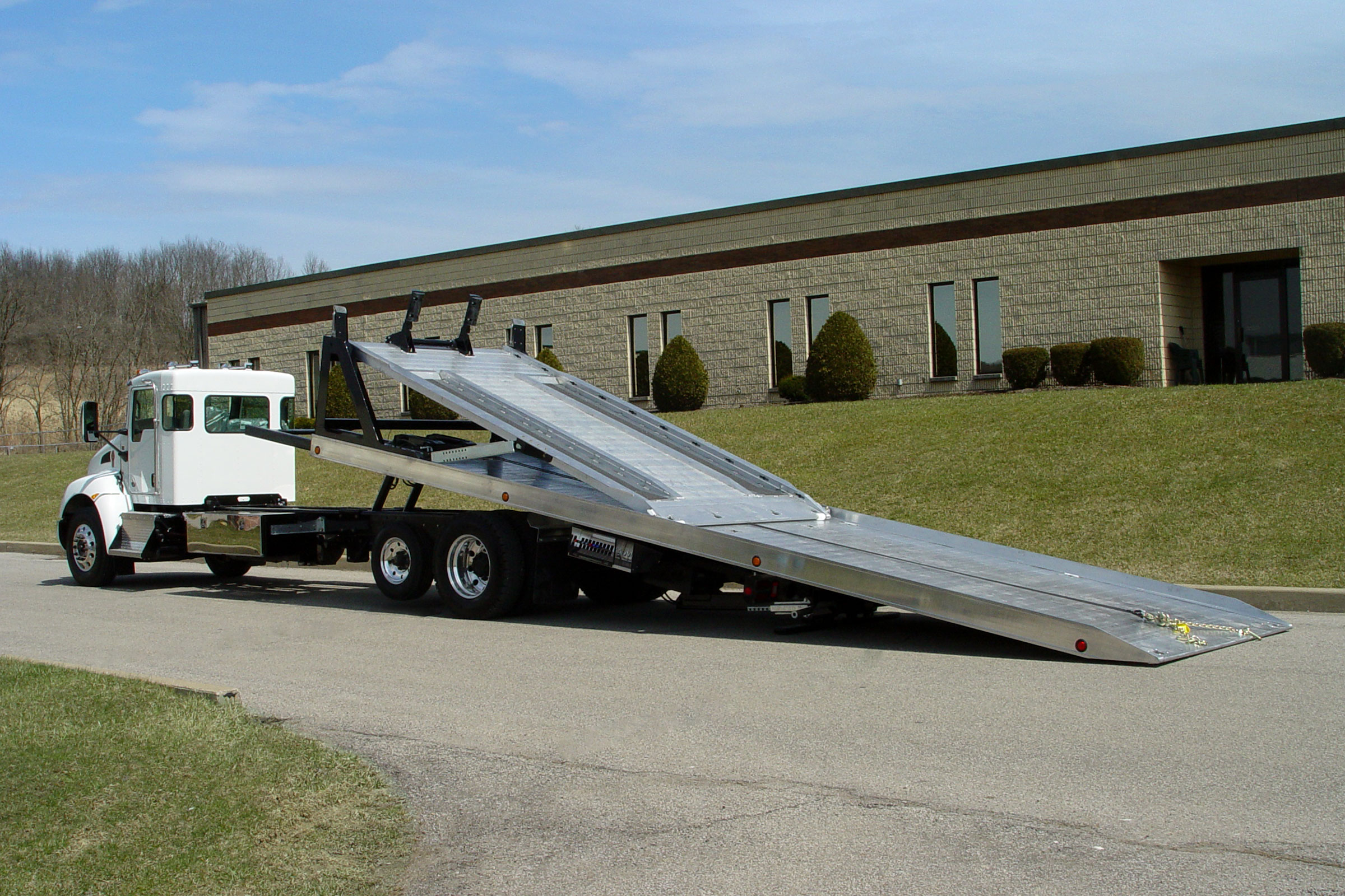Vulcan 16 Series Multi-Deck LCG™ Car Carrier