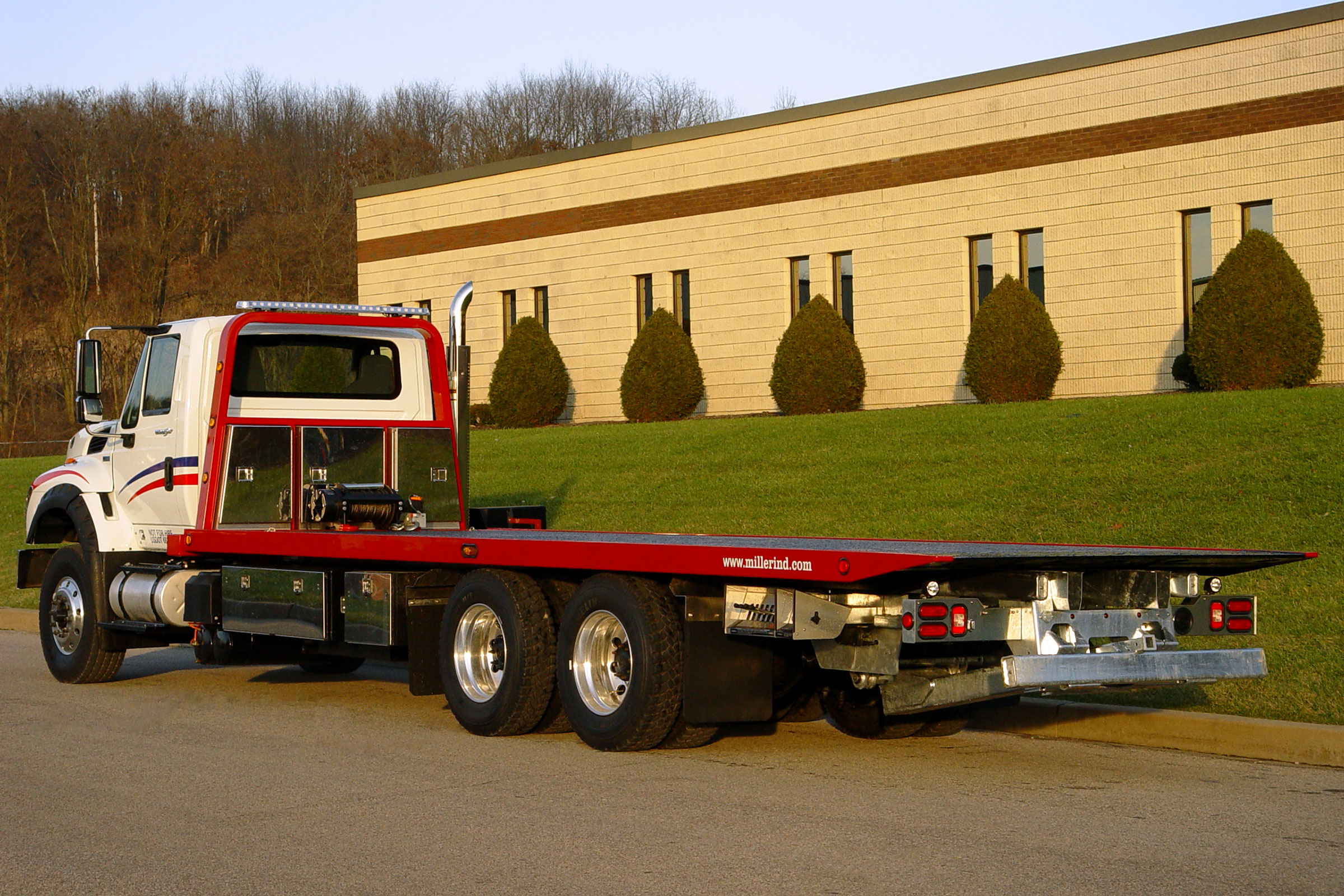Chevron 20 Series LCG™ Car Carrier