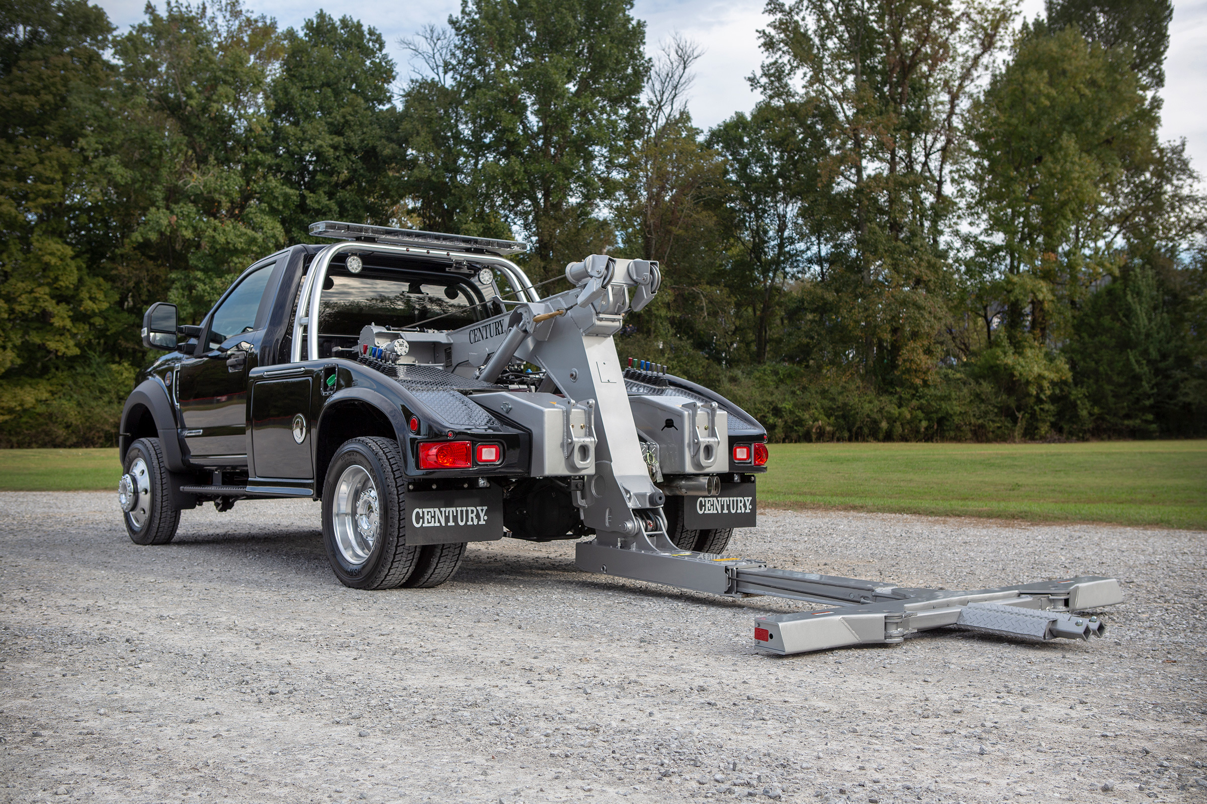 Century® 312 Express-Series Generation 2 Light-Duty Wrecker on a Ford F-450 Truck Chassis