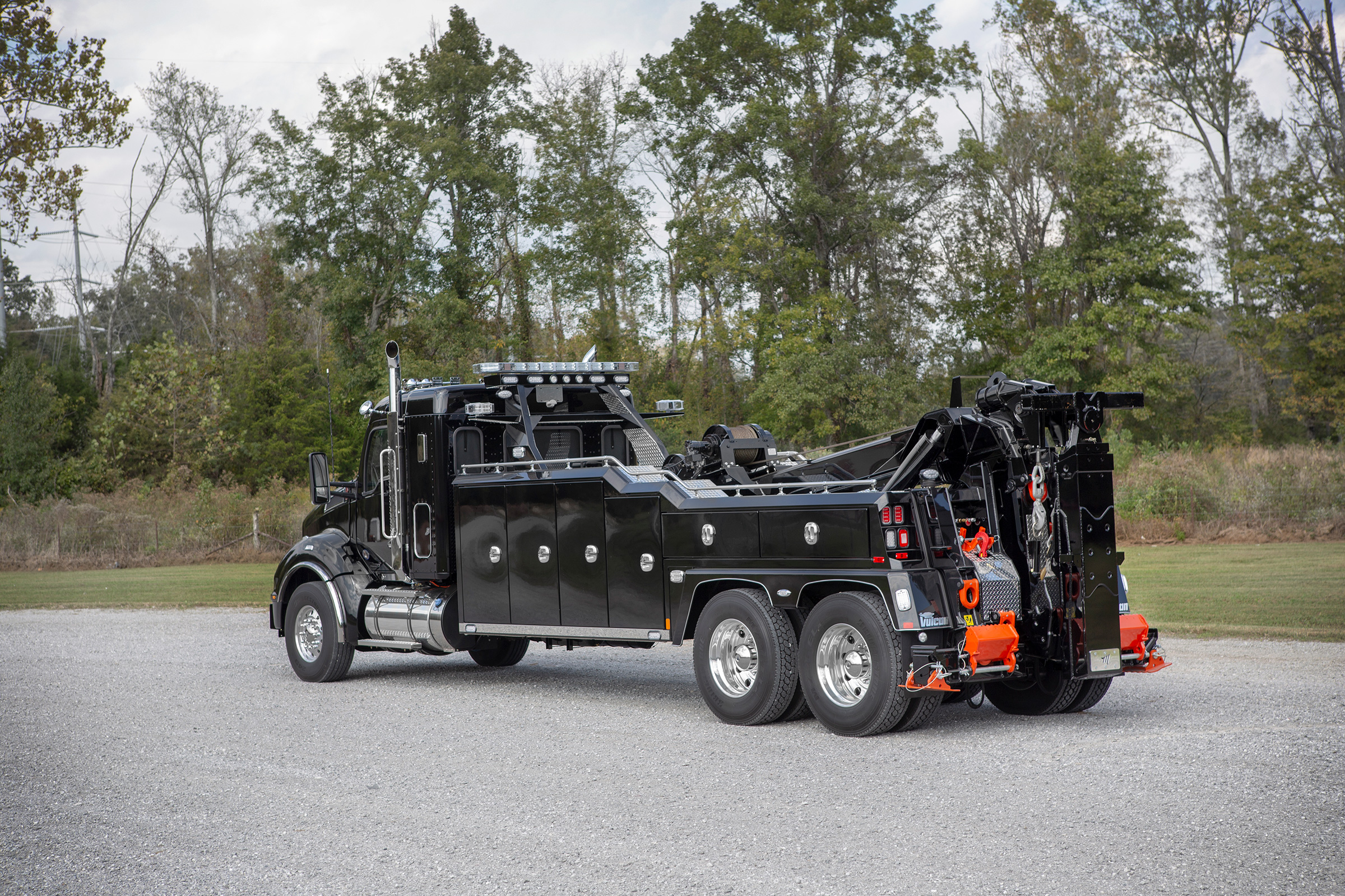 Vulcan® V-70 Heavy-Duty Integrated Wrecker w/3rd Winch Option