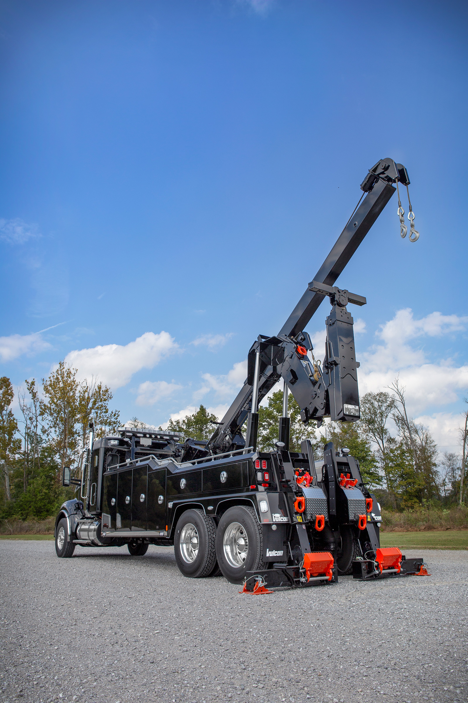 Vulcan® V-70 Heavy-Duty Integrated Wrecker w/3rd Winch Option on a 2019 Kenworth Chassis