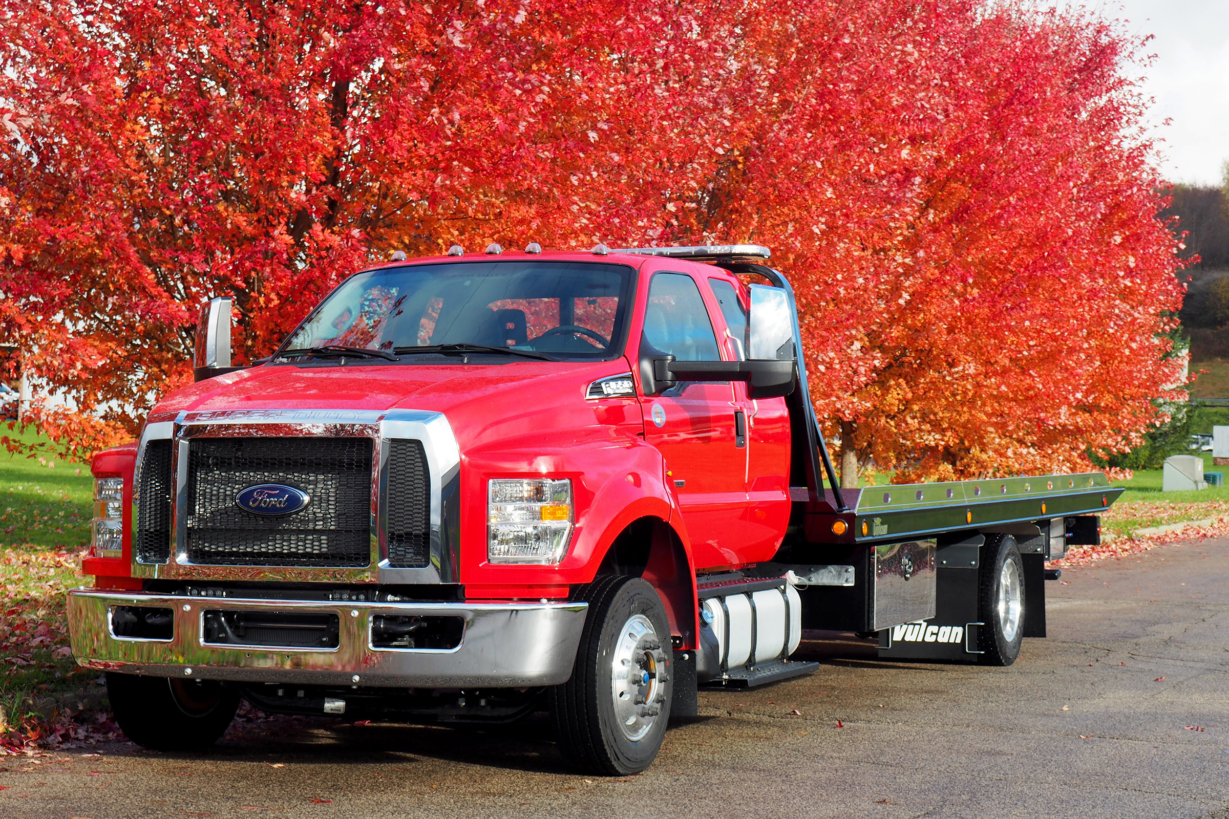 Vulcan® 12-Series LCG™ Car Carrier on a Ford F650 Truck Chassis