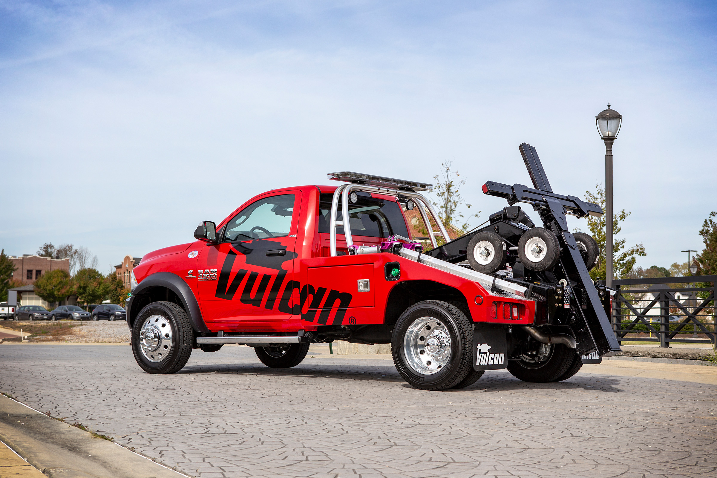 Vulcan® 810 Intruder™ Light-Duty Wrkr