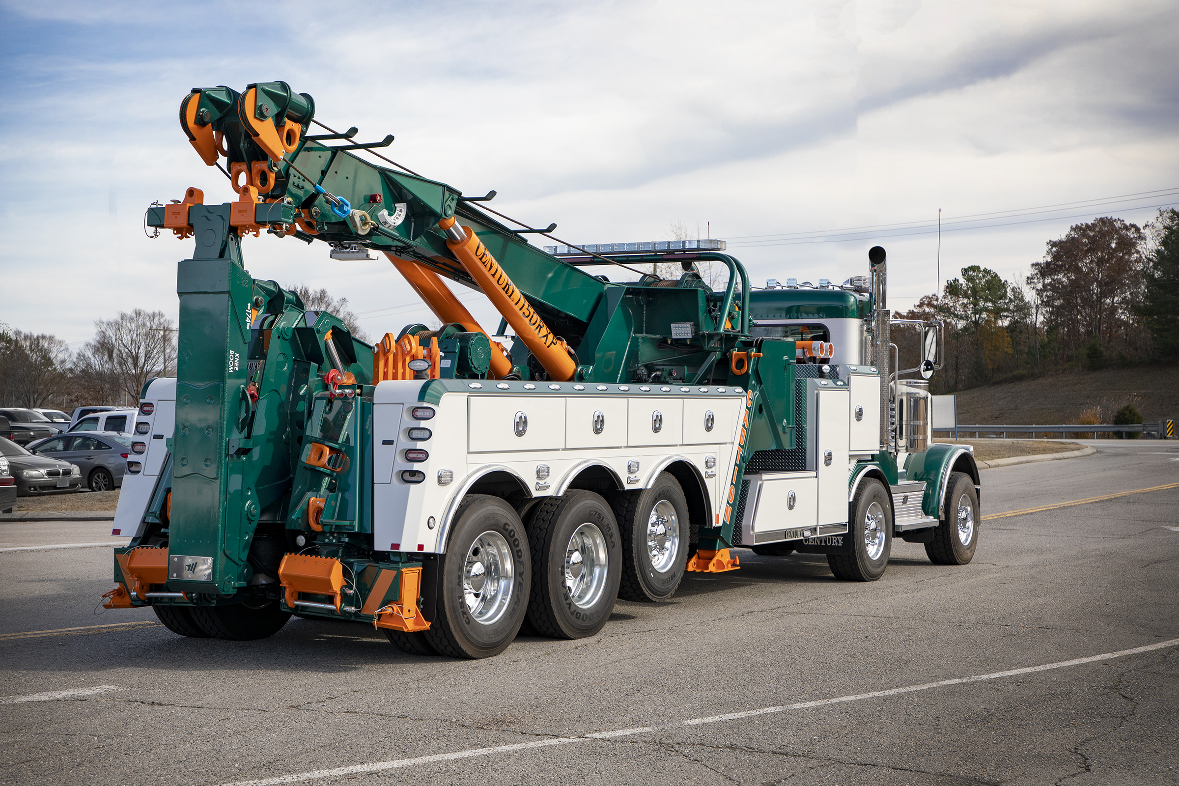 Century® 1150 Rotator provides a superior weight-forward design for towing