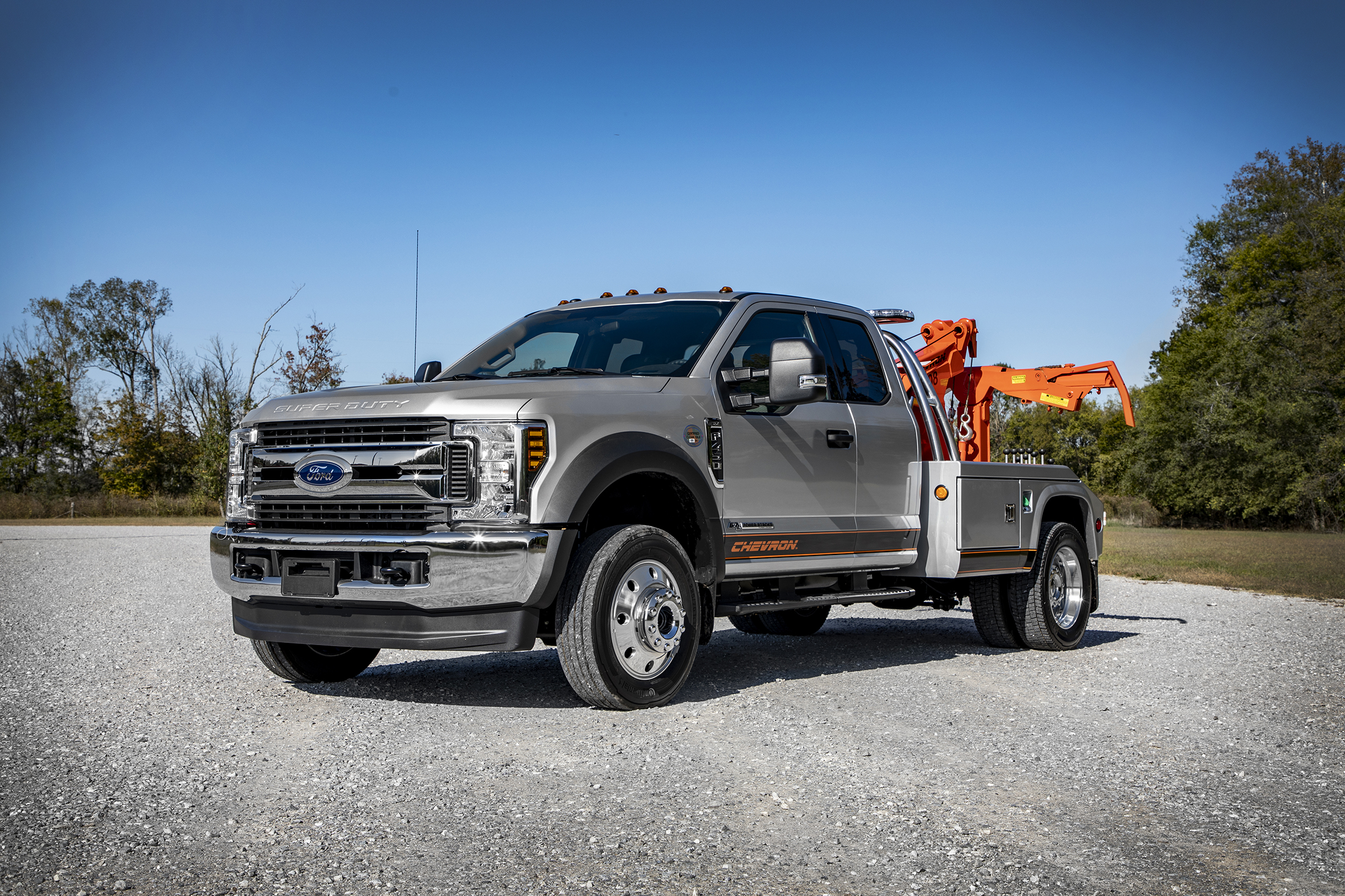 Chevron™ 408 Light-Duty Autoloader can be installed on multiple truck chassis like this Ford Truck