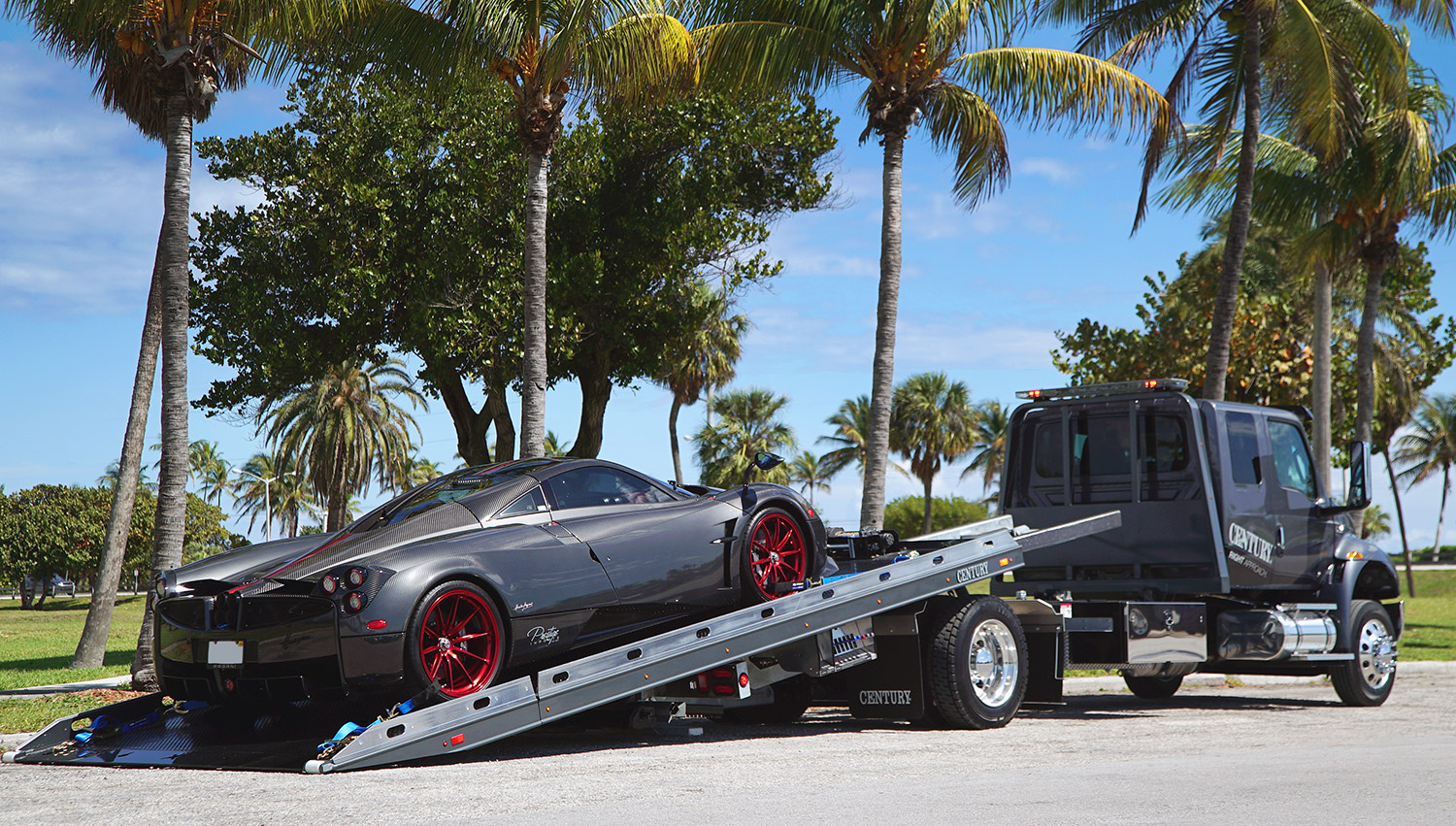 Car Carriers LCG Century Century 12-Series LCG with Pagani Huayra