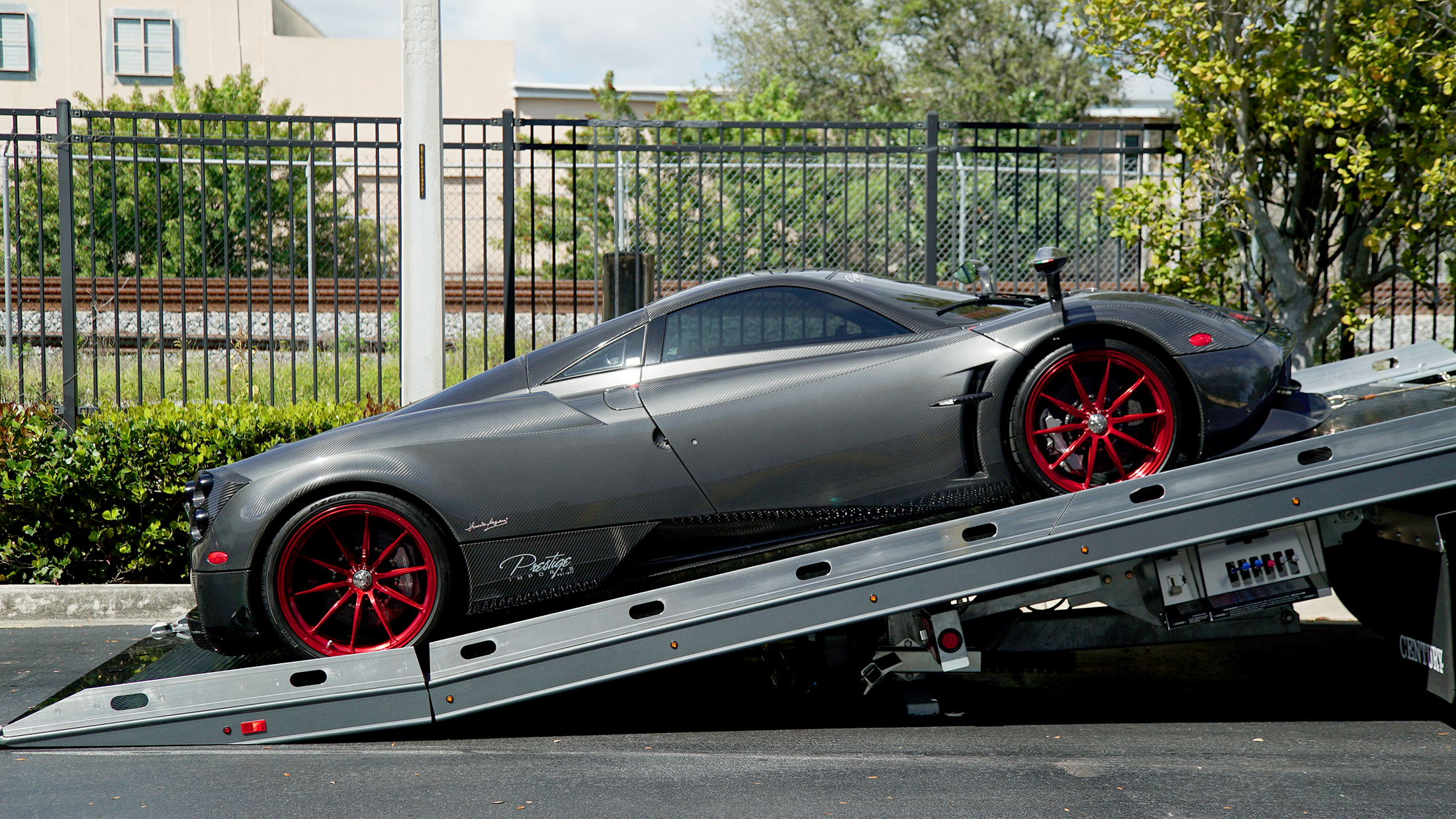 Car Carriers Conventional Century Right Approach Pagani Huayra