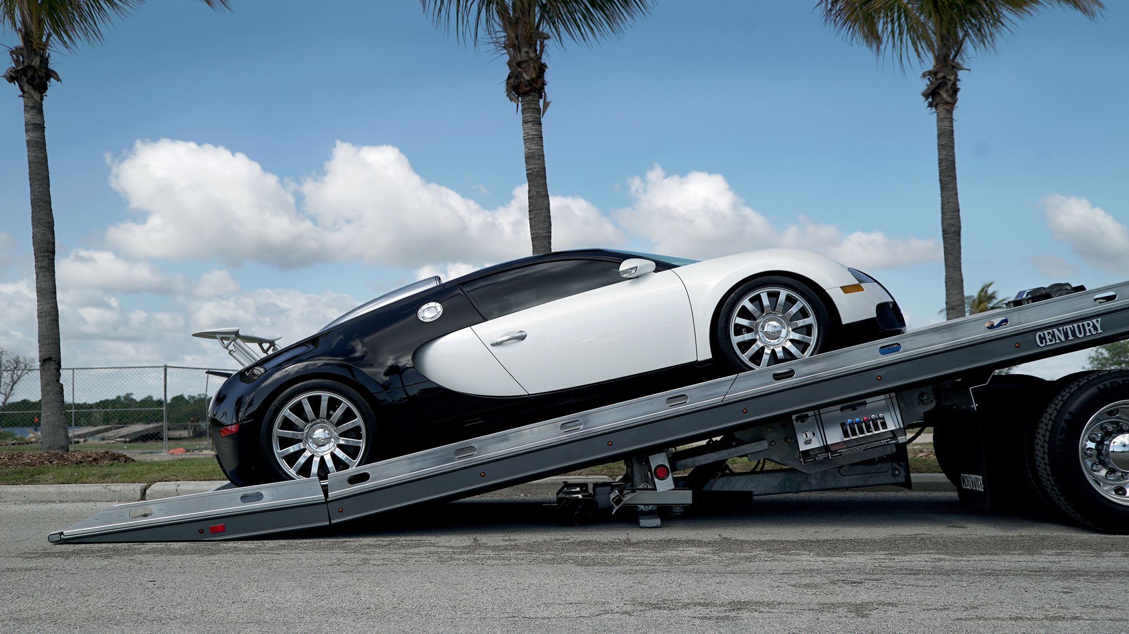 Car Carriers Conventional Century Right Approach Bugatti Veyron