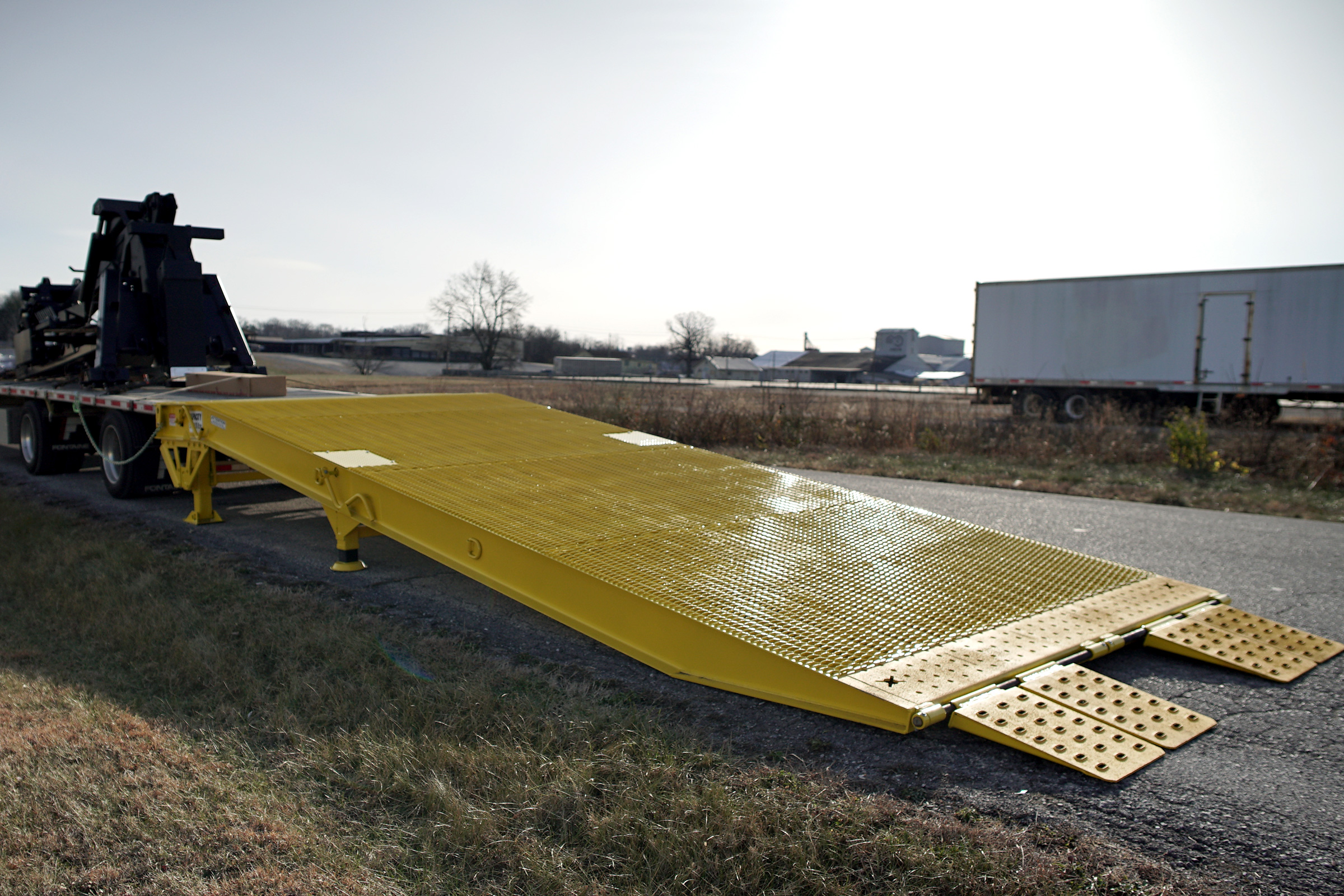 Special Transport Miller The Miller Industries Yard Ramp is perfect for outdoor tradeshows.