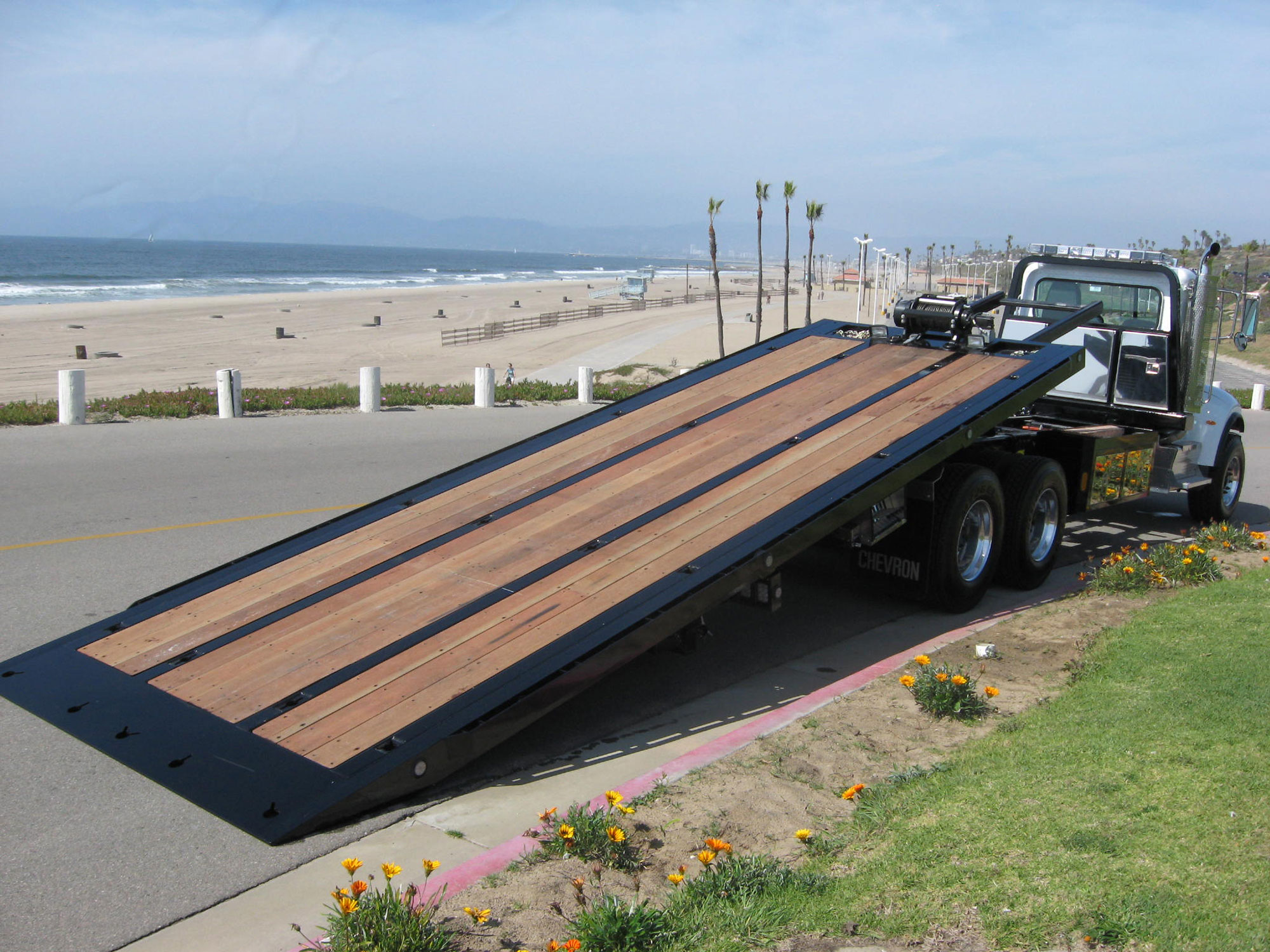 Car Carriers Conventional Industrial Chevron Rollback, Car Carrier, Industrial Carrier, Rental