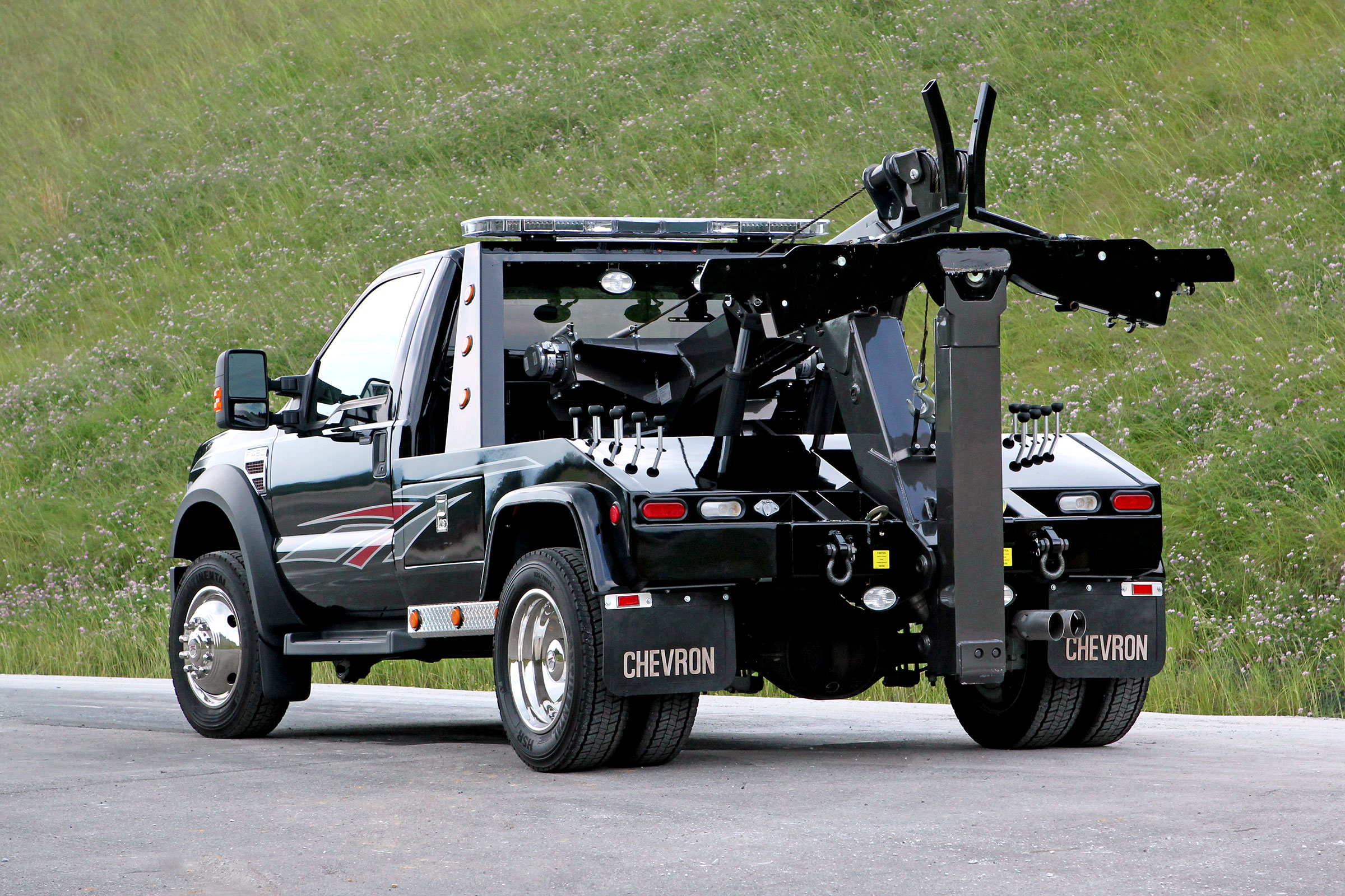 Chevron 408TA Small Wrecker