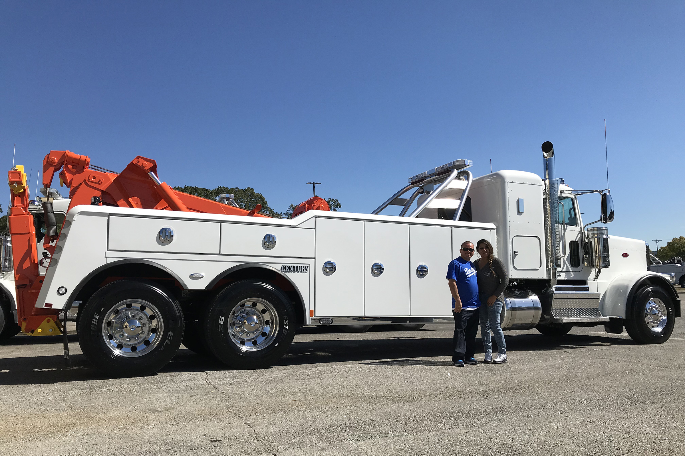 Edwin's Towing Service, Upland, CA / Century 5130