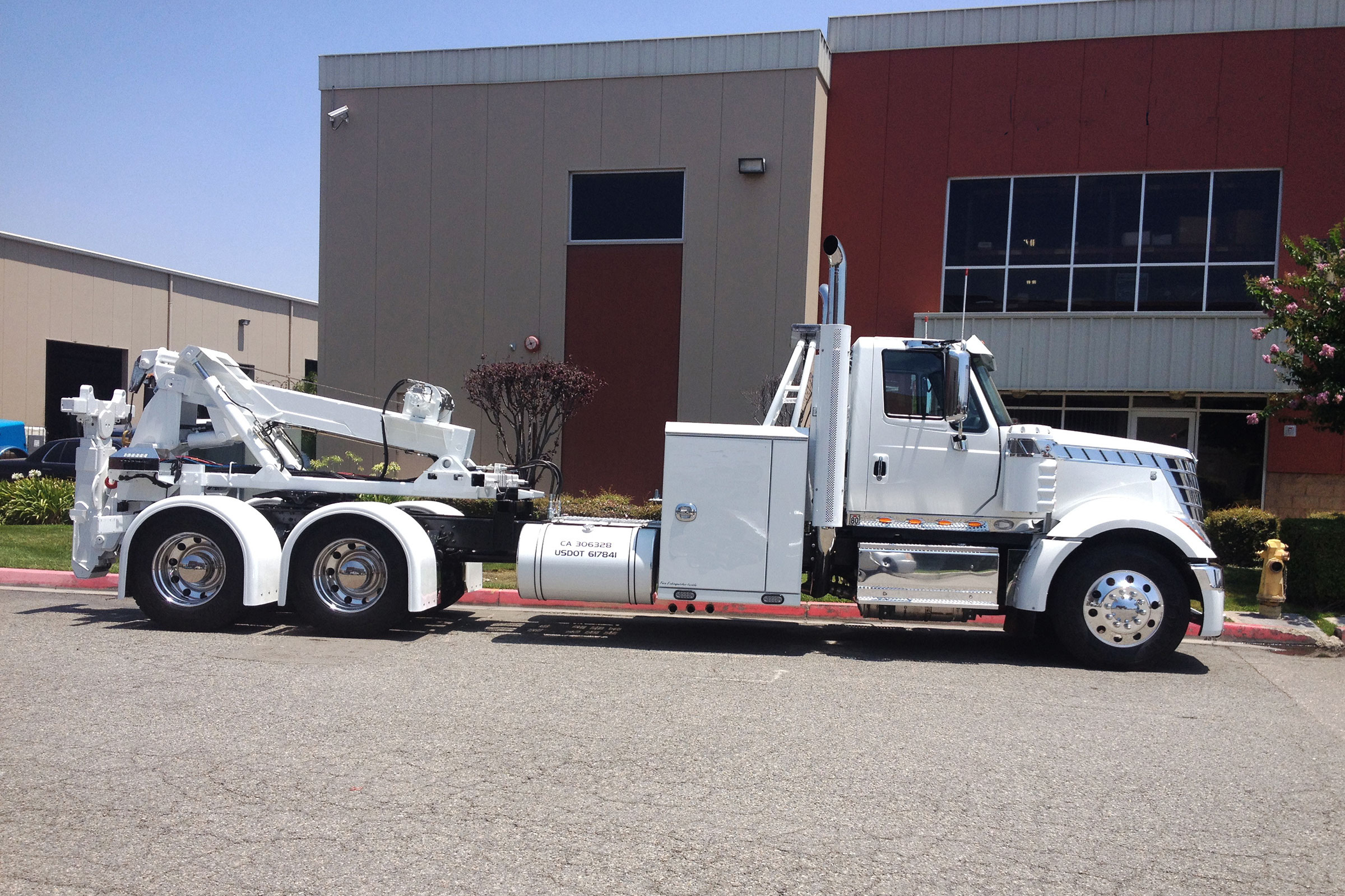 Holmes This heavy-duty towing unit is detachable