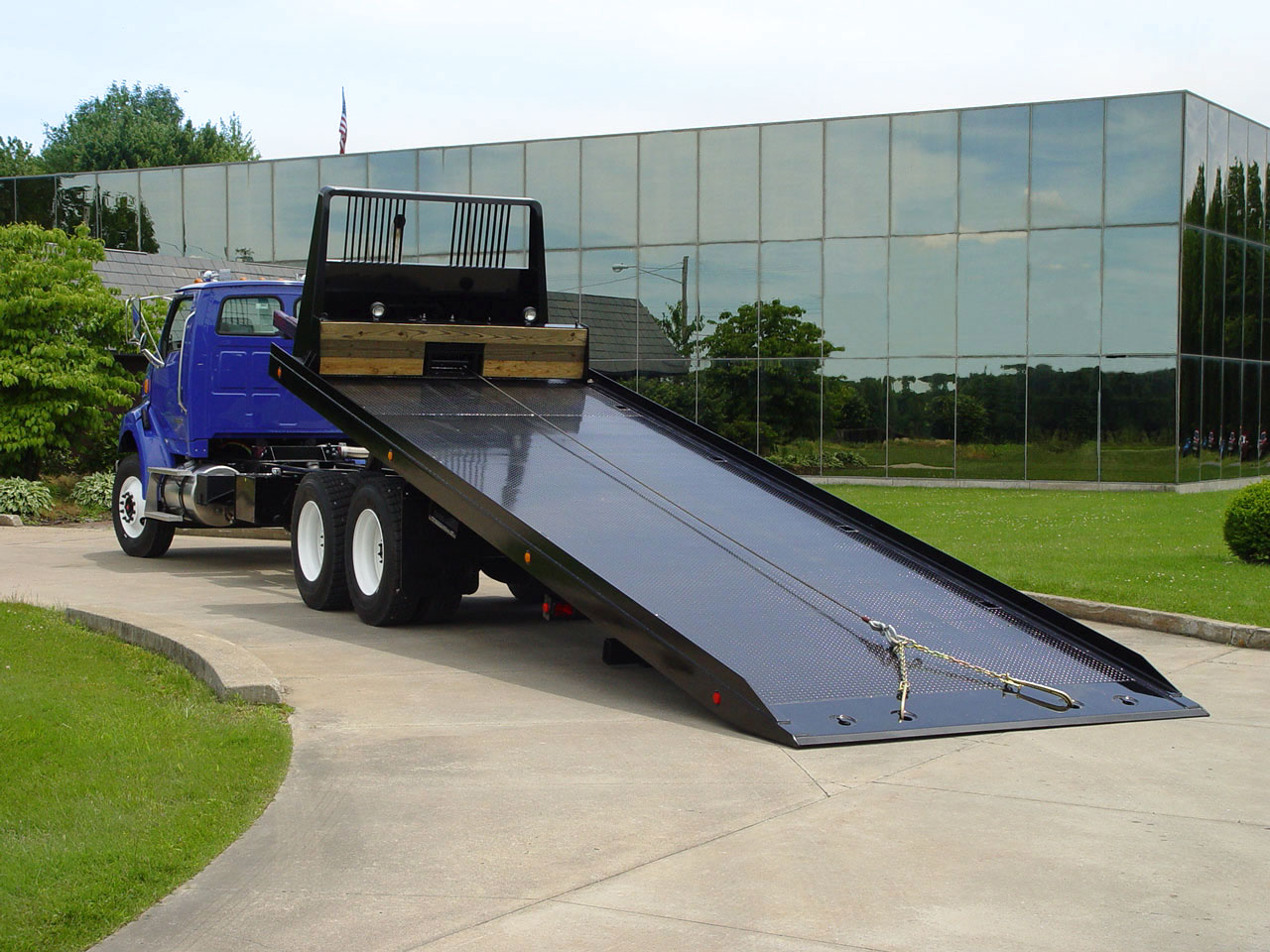 Car Carriers Conventional Industrial Vulcan 20 & 30 Series Ramp